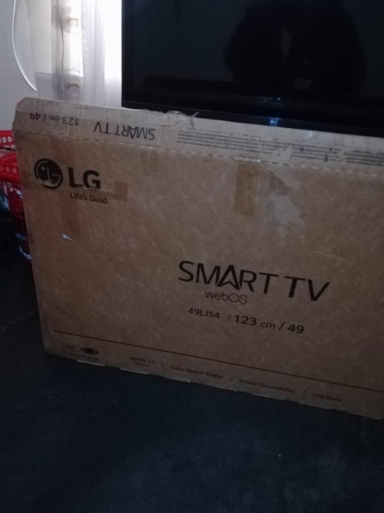 Se vende tv LG 49 pulgadas smart tv nuevo...