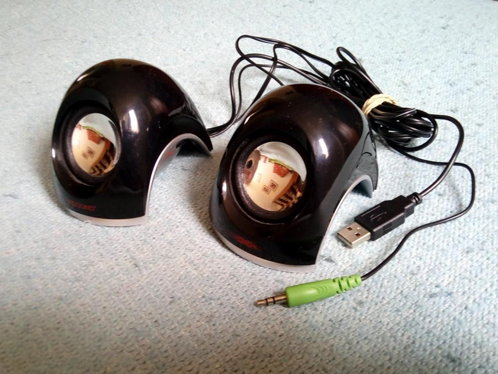 PARLANTES USB PARA PORTATIL
