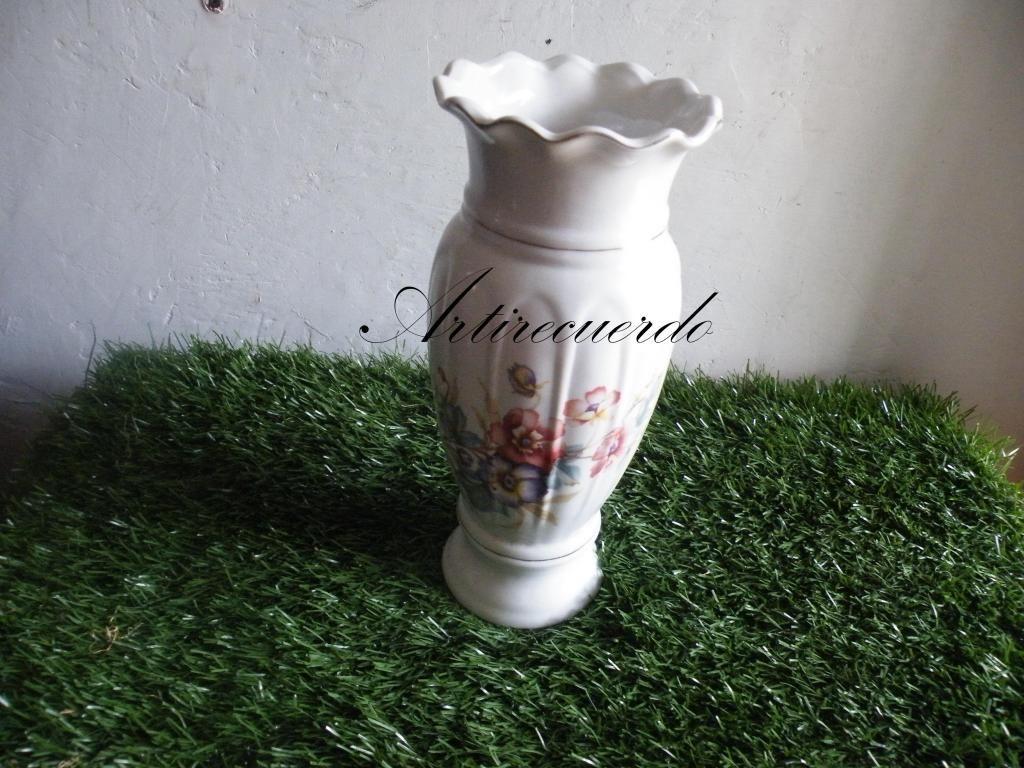 jarro en porcelana estilo frances