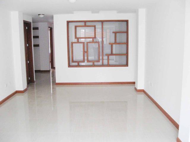 Se vende apartamento en zona residencial Algarra 3 en