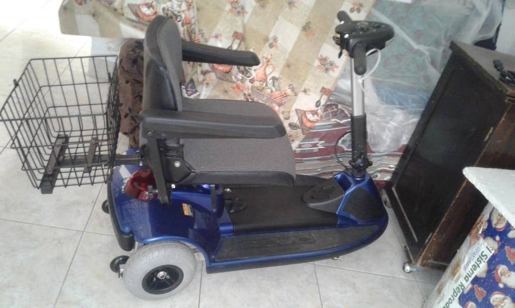 Se vende silla de ruedas eléctrica