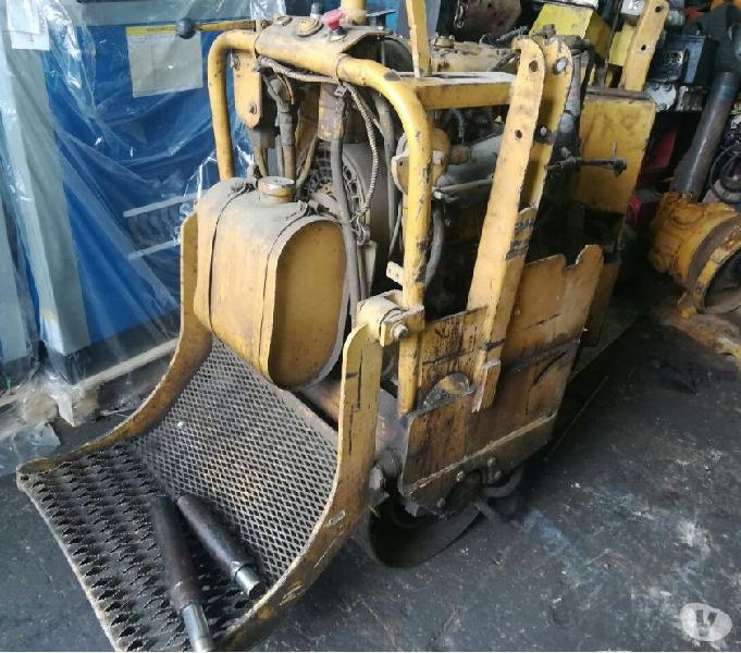 Vibro Benitin Diesel, motor dos cilindros lombardini