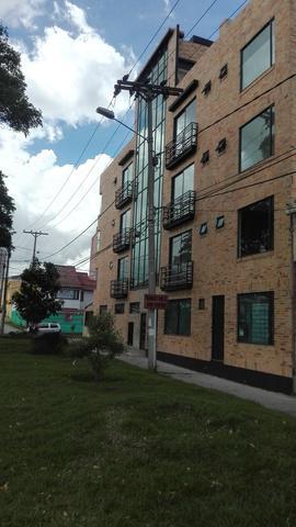 ARRIENDO OFICINA PARA ESTRENAR DE 74 M2 BARRIO LOS ANDES