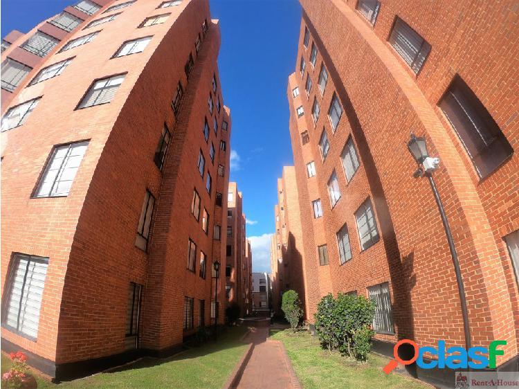 Apartamento en Venta en Cedritos MLS 19-1057 LR