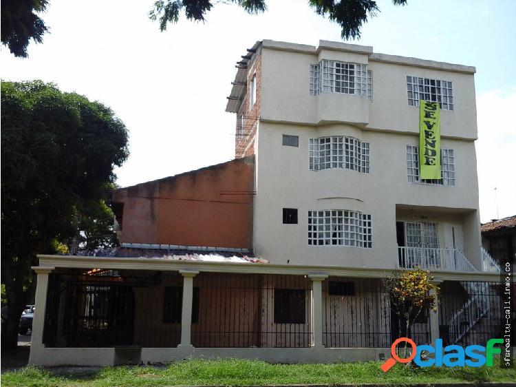 Casa Multifamiliar en venta en Cali - Ciudad 2000