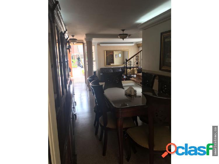Casa de 2 Niveles en Venta, La Mota-Medellin