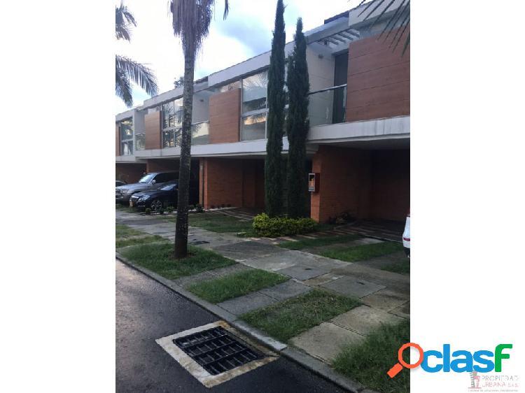 Casa en venta en Envigado sector San Lucas