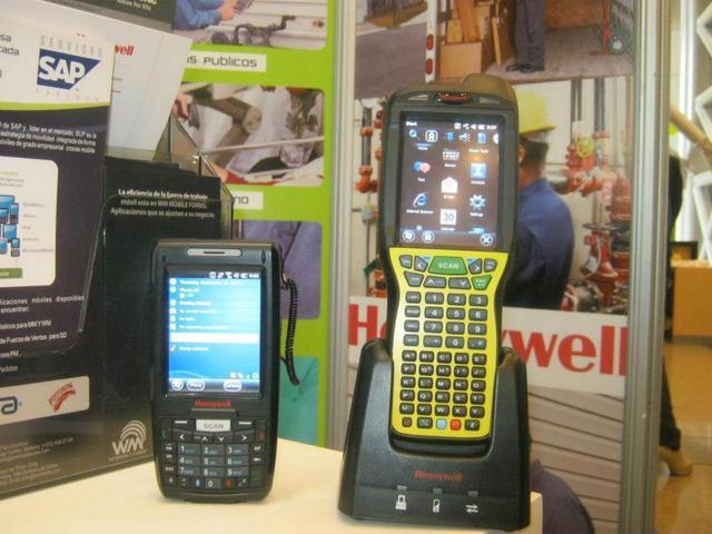SAMSUNG TABLET Galaxy Tab 4 NEGRA / WIFI / Grosor 9,9mm Peso