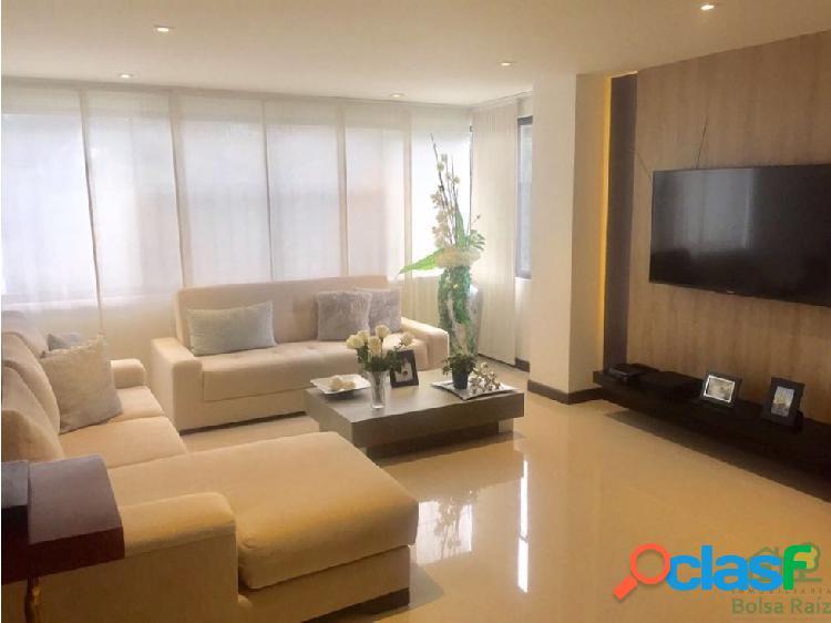 Se Vende Apartamento en Álamos Pereira