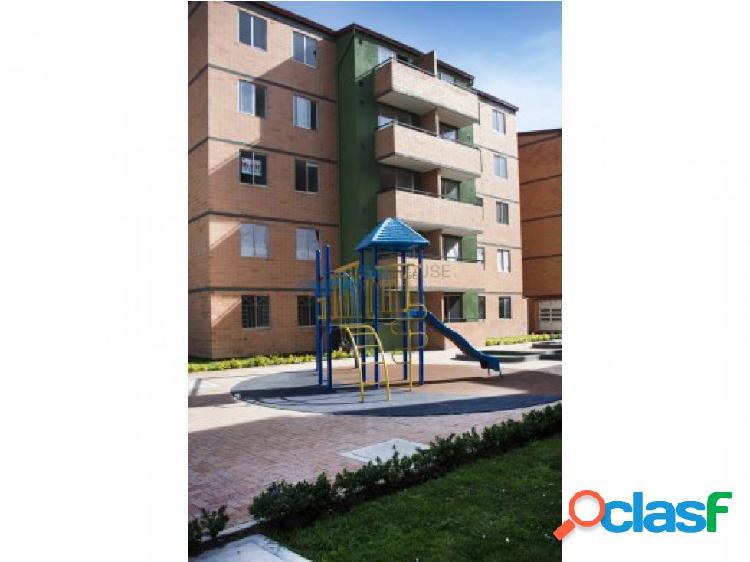 Se arrienda apartamento alamos 4 piso T3411