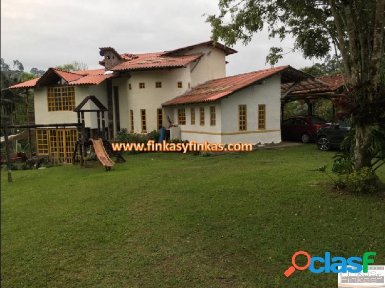 Se vende Casa Campestre entre Armenia - Salento