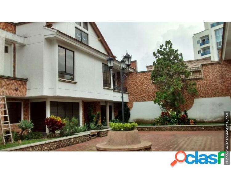 Se vende casa 4 hab Pinares Pereira