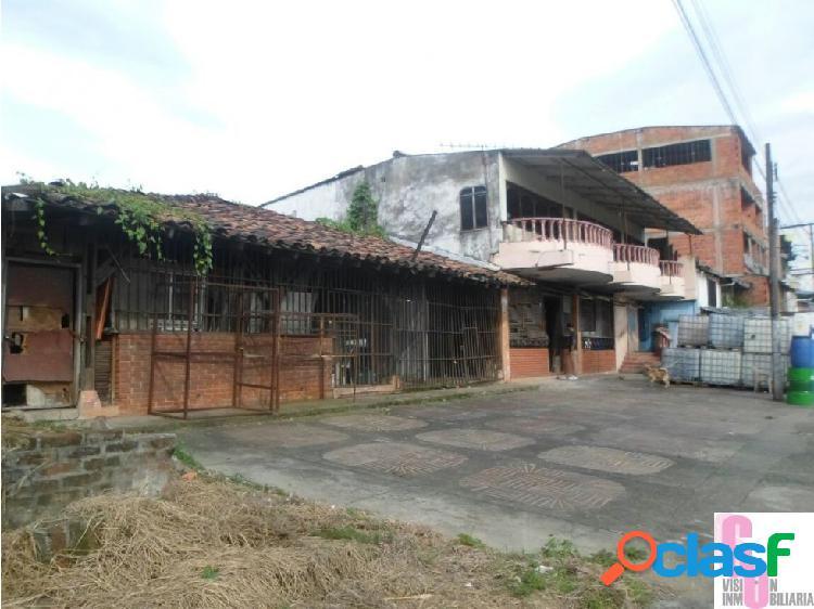 Se vende casa lote comercial en la avenida sur