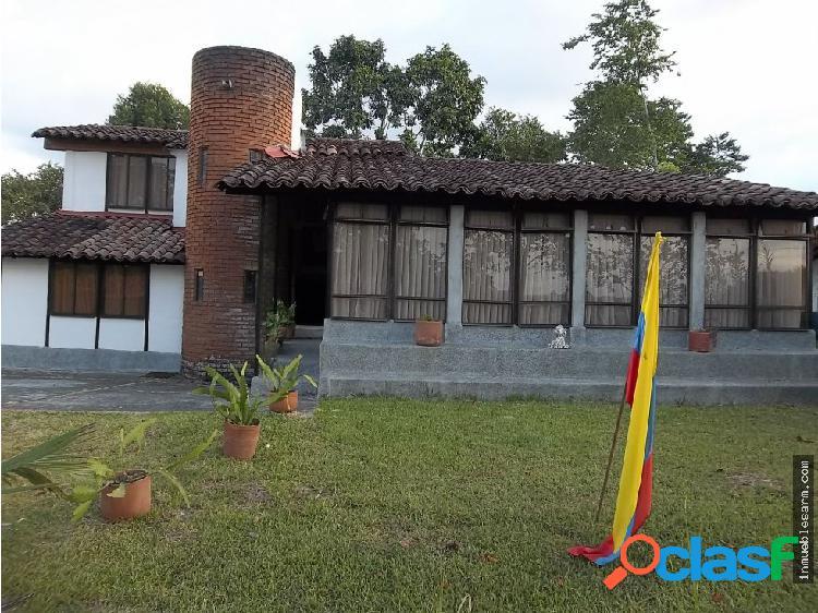 VENDO Casa Campestre en conjunto Cerrado CIRCASIA