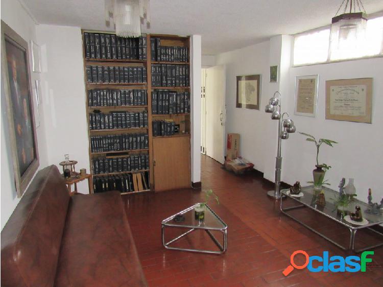 VENTA DE AMPLIA OFICINA EN EL CENTRO DE ARMENIA