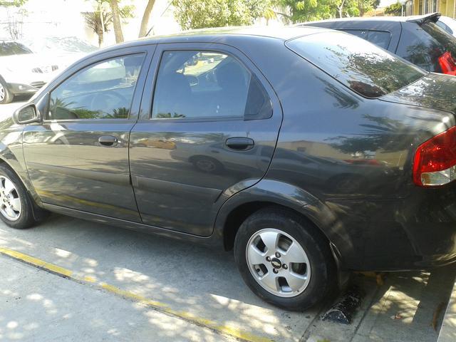 Vendo Aveo sedan full equipo modelo 2013.