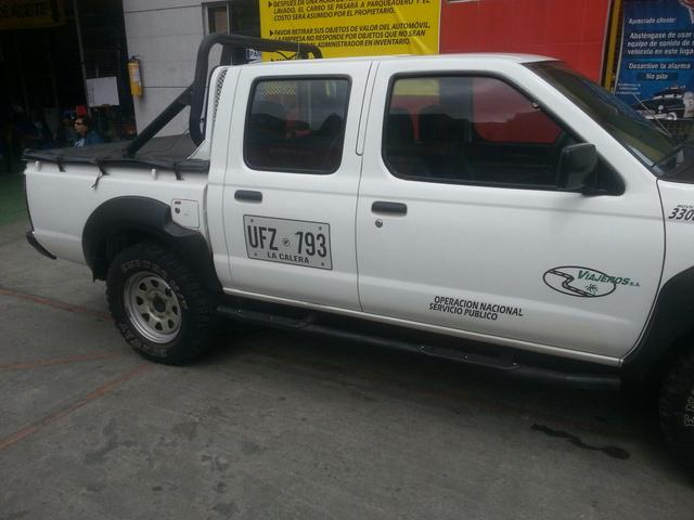 Vendo O Permuto Nissan Frontier