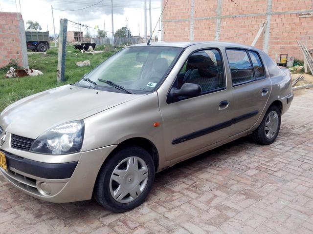 Vendo Renault Symbol en Colombia.