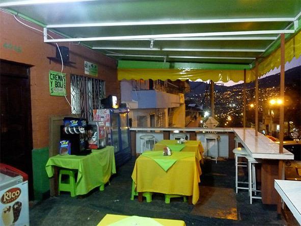 """Vendo Restaurante de comidas rápidas """"El Punto Rápido"""""""