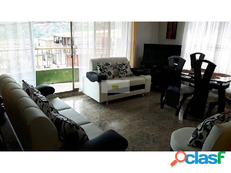 Vendo casa de 3 niveles en Montelibano