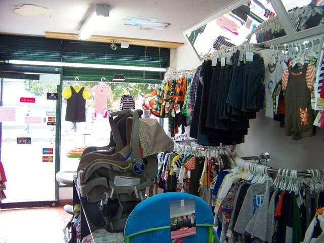 Vendo o permuto almacen de ropa y accesorios para bebes y