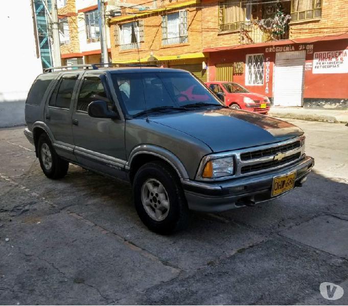 Vendo-permuto camioneta blazer 95 (Muy buena)
