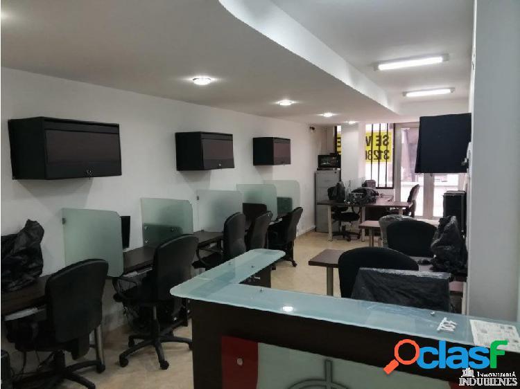 Venta de Oficina Amoblada en el Centro de Medellín