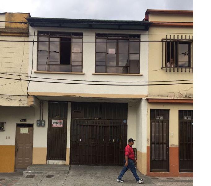 Venta de casa en el centro de Pereira de dos plantas
