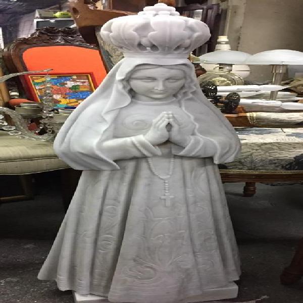 Virgen en Marmol