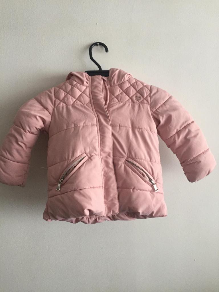Vendo chaqueta ZARA para niñas, talla  meses, buen