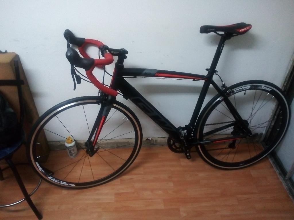 Bicicleta de Ruta en Aluminio
