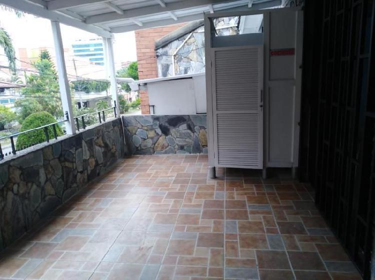 Cod. ABMER204557 Oficina En Arriendo En Medellin Laureles