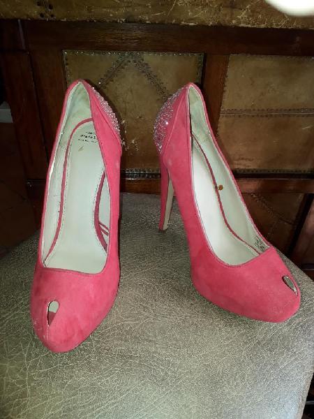 Zapatos de Tacón. Zara Trafaluc.talla 39