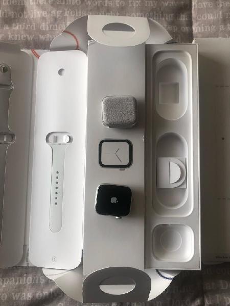 Apple Watch Serie 4 de 44Mm