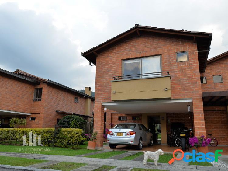 Casa en Unidad Cerrada El Retiro-Antioquia