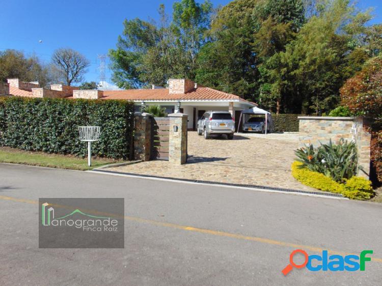 Casa en venta - unidad cerrada - Llanogrande