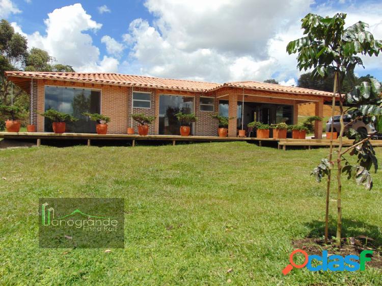 Casa en venta vía San Antonio La Ceja Unidad Cerrada