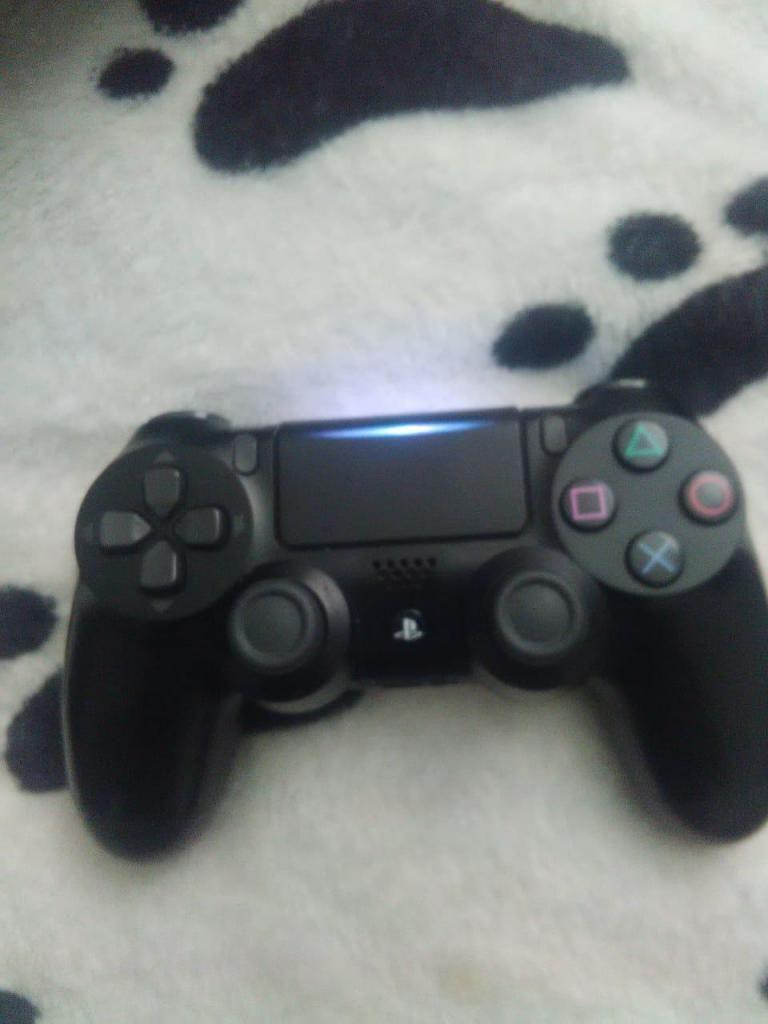 Control ps4 segunda generación.