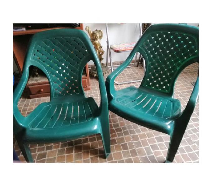 Vendo 4 sillas excelente estado muy buen calibre