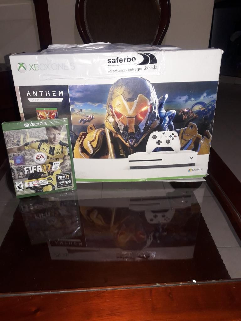 Vendo Xbox One S con Un Juego La Fifa 20