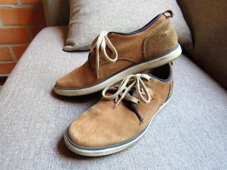 Zapato Cuero marca BOSI, usado, talla 40, hombre, color