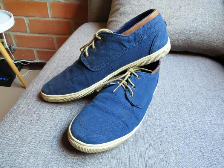 Zapato tela y caucho, usado, Marca ADDICT de BOSI, talla 40,