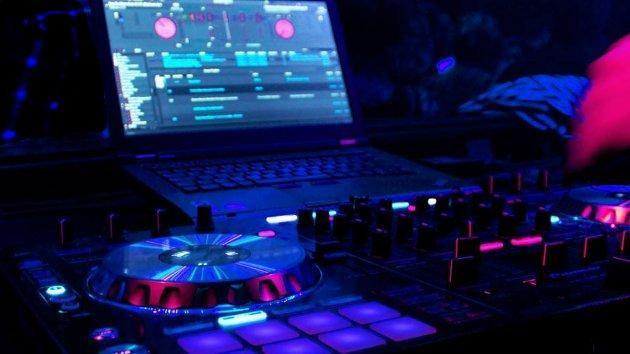 DJ para eventos y fiestas.