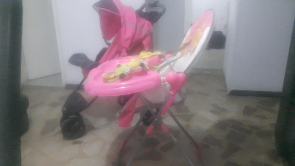 Coche bebesit jogger y silla comedor