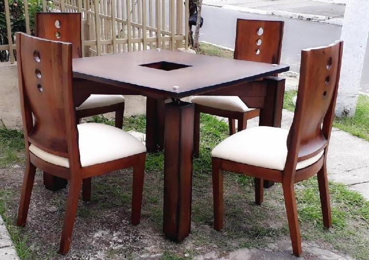 Combo Comedor: Comedor con mesa de sala y mesa auxiliar