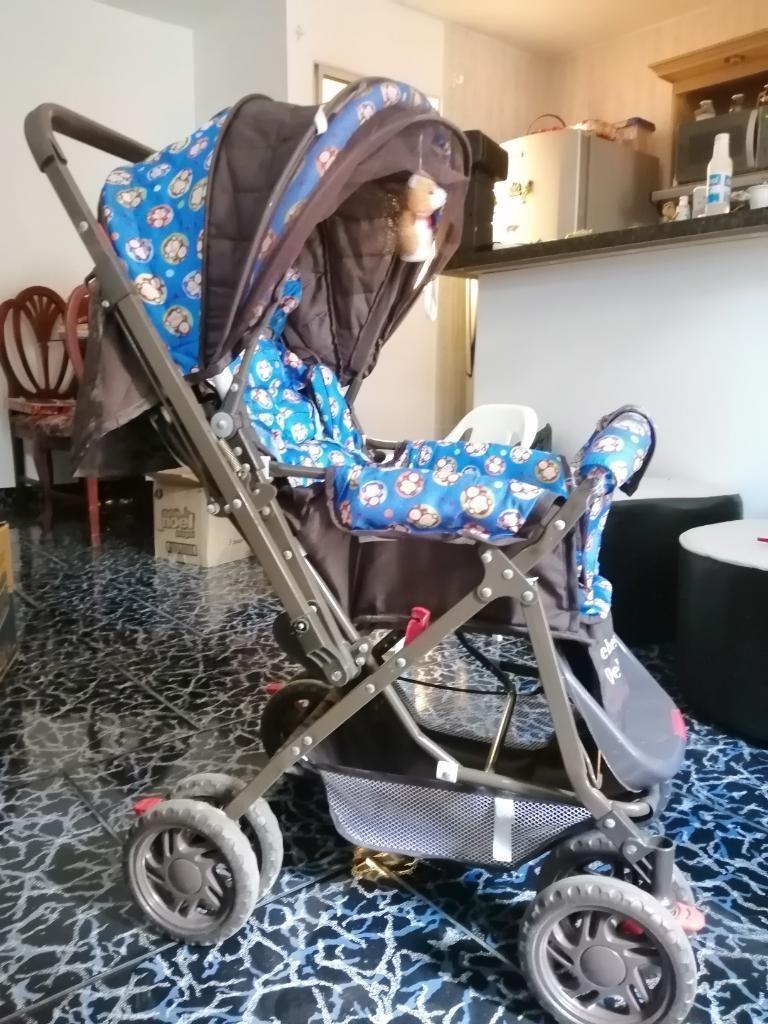 Coche para Bebé en Excelente Estado