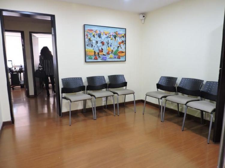 Oficina En Venta En Bogota Santa Barbara Cod. VBIRE5770