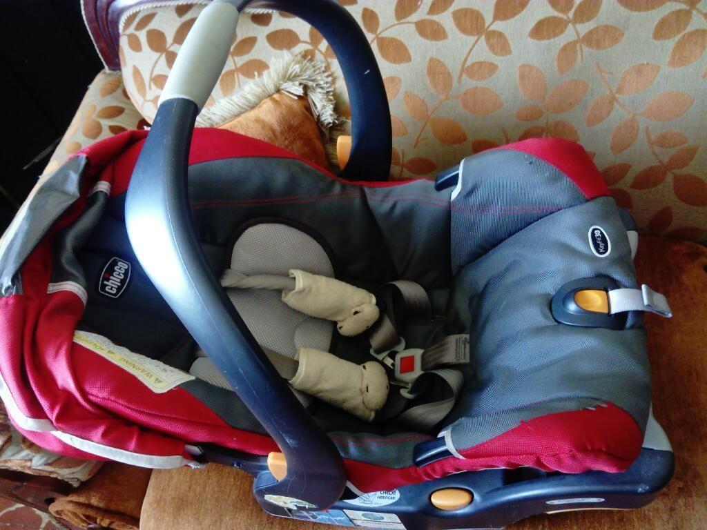 Porta Bebé para Carro con Base