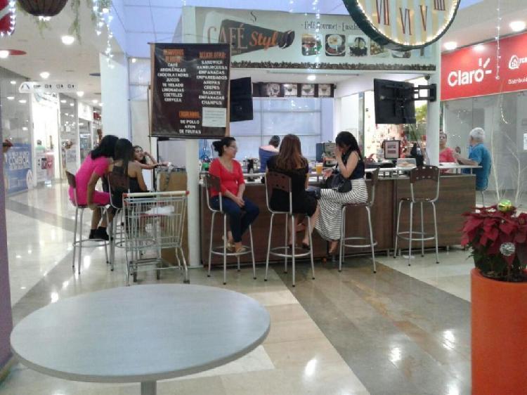 VENDO ISLA CAFE Y COMIDAS EN CENTRO COMERCIAL