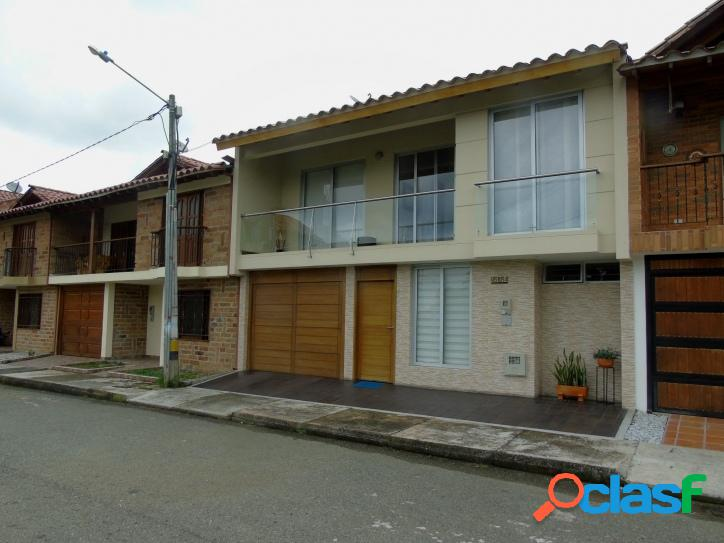 Casa en urbanizacion OC865